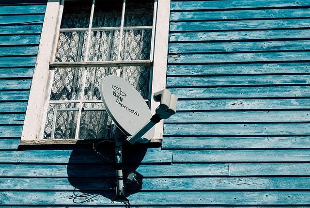 Bell Canada ExpressVu Satellite Dish